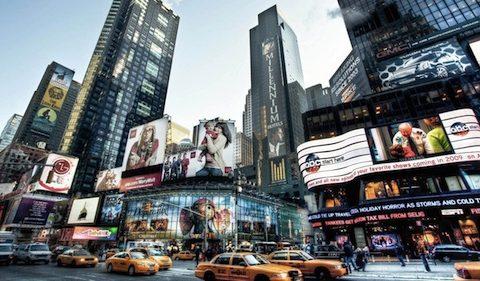 newyork-streets-new-york-street-usa-feed-232220_copy.jpg